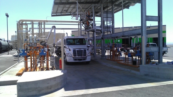 Truck station for feedstock oils
